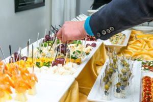 WhatMenusTo Choose For YourOffice Party?Hire A Corporate Catering Company!